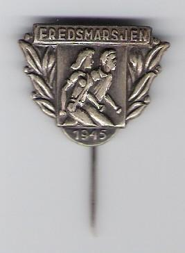 Norwegian liberation 'Freedom March' pin, 1945