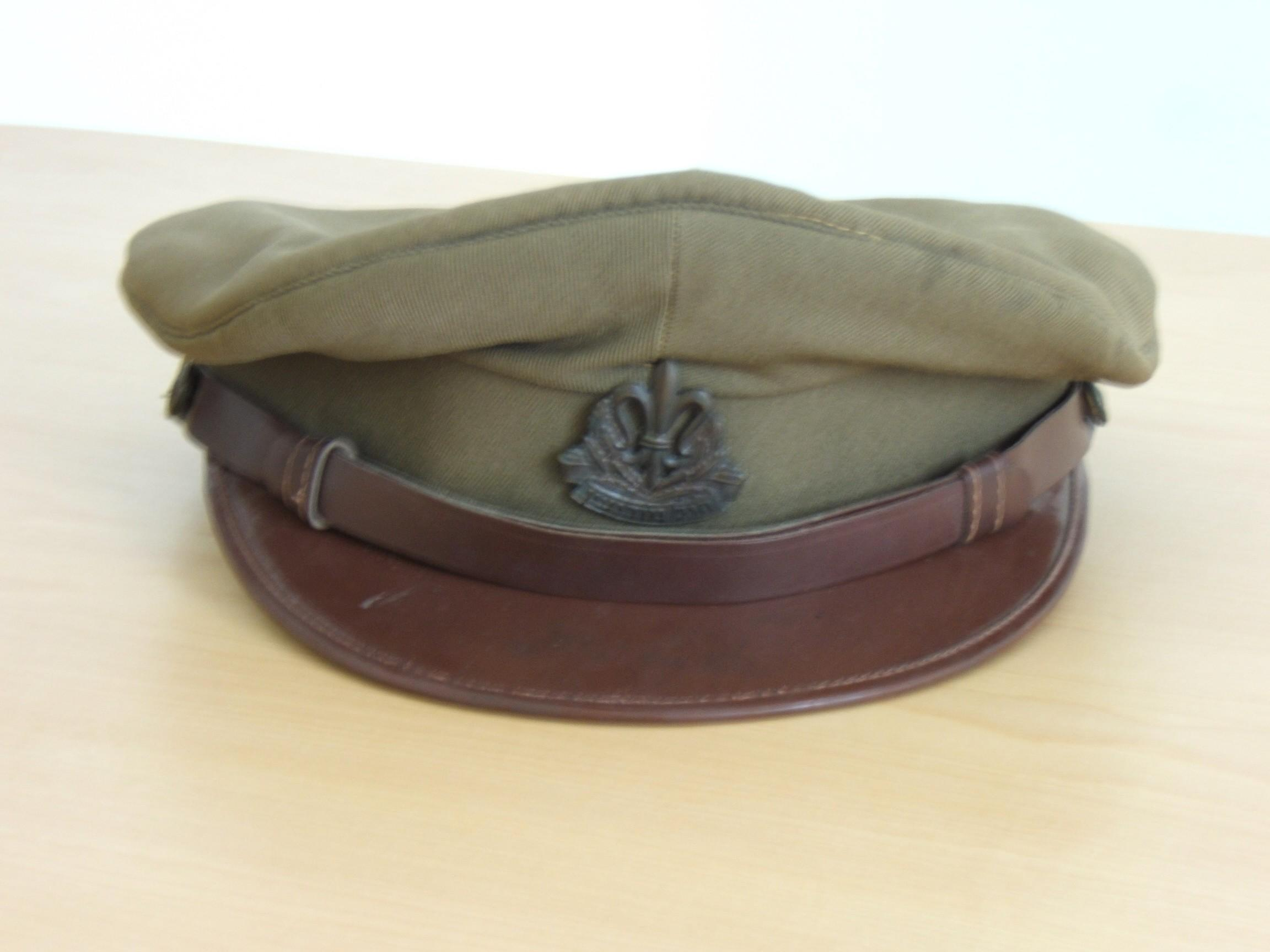 IDF intelligence corps khaki-brown cloth visored hat, 1950s