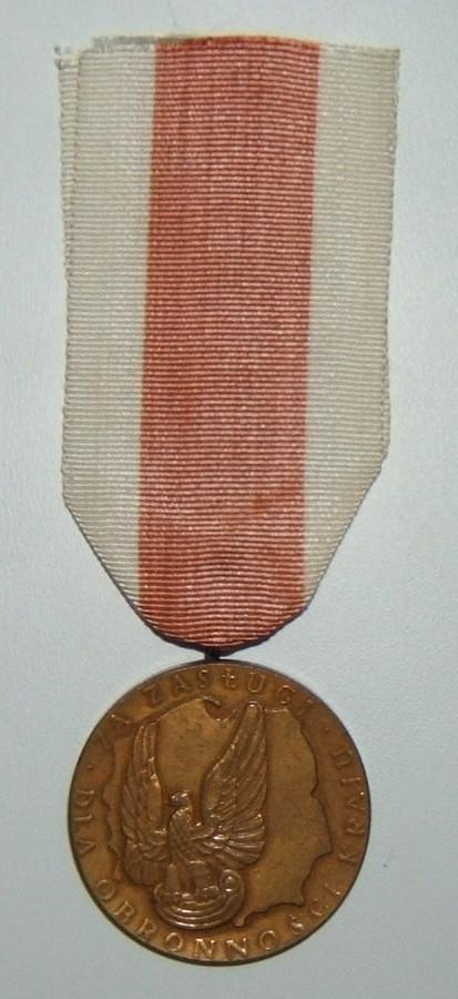 Polish Medal for Merit for Country Defense, in bronze, 1966-1991 version