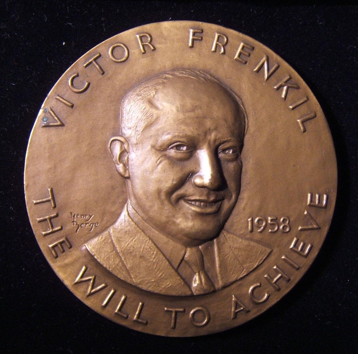 אמריקן ויקטור פרנקל 50 יום הולדת / אדמירל בן מורל מדליית יודאיקה, 1958