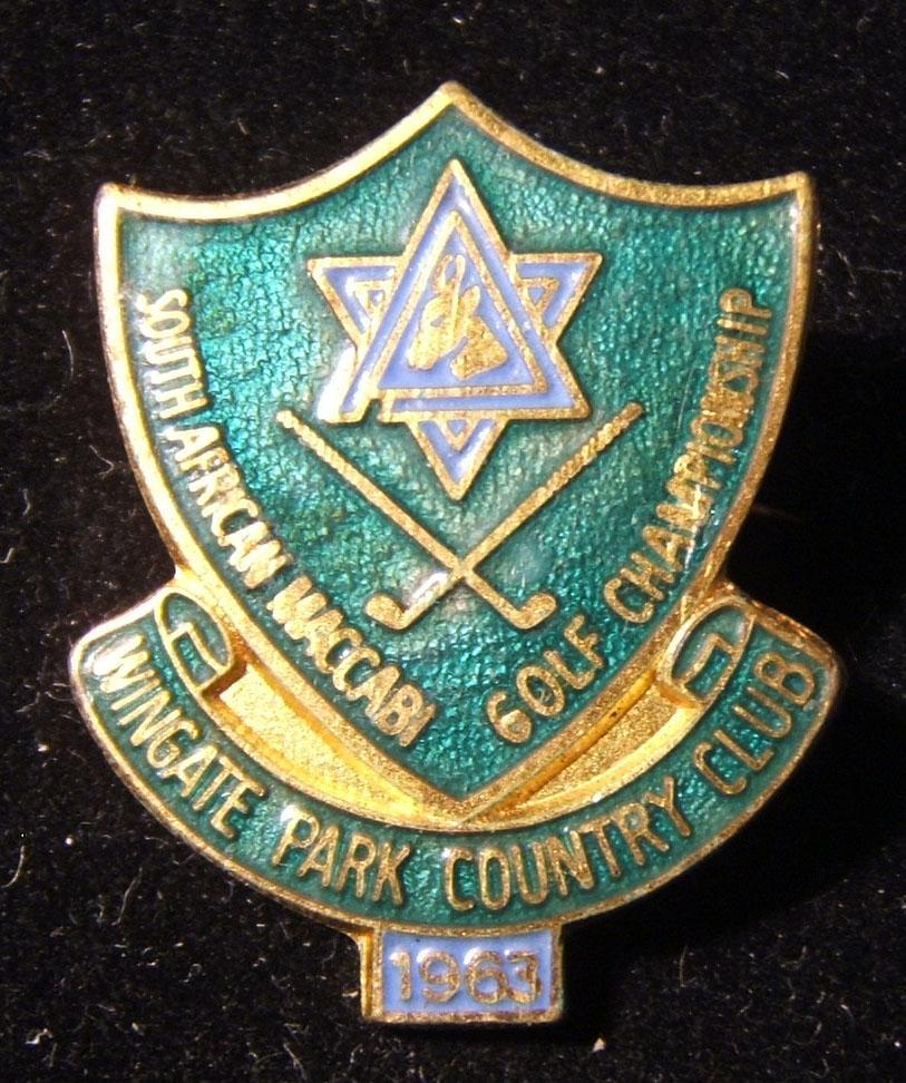 South Africa: South African Maccabi Golf Championship at Wingate Park Country Club 1963 gilt and color enamel pin with safety-pin reverse, made by McCallum of Capetown; weight: 7.7
