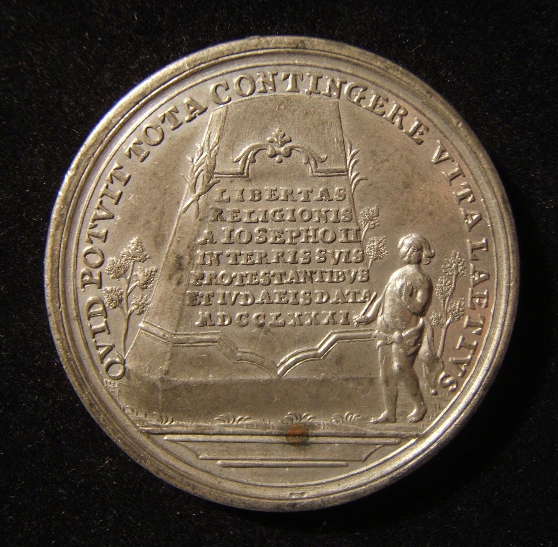 Deutschland: Edikt von Toleranz im Habsburger Reich, 1781, von Johann Leonhard Oexlein; geprägt aus Zinn; Gewicht: 29,25 g; Größe: 45 mm. Vorderseite: rechts zeigender Kaiser; late