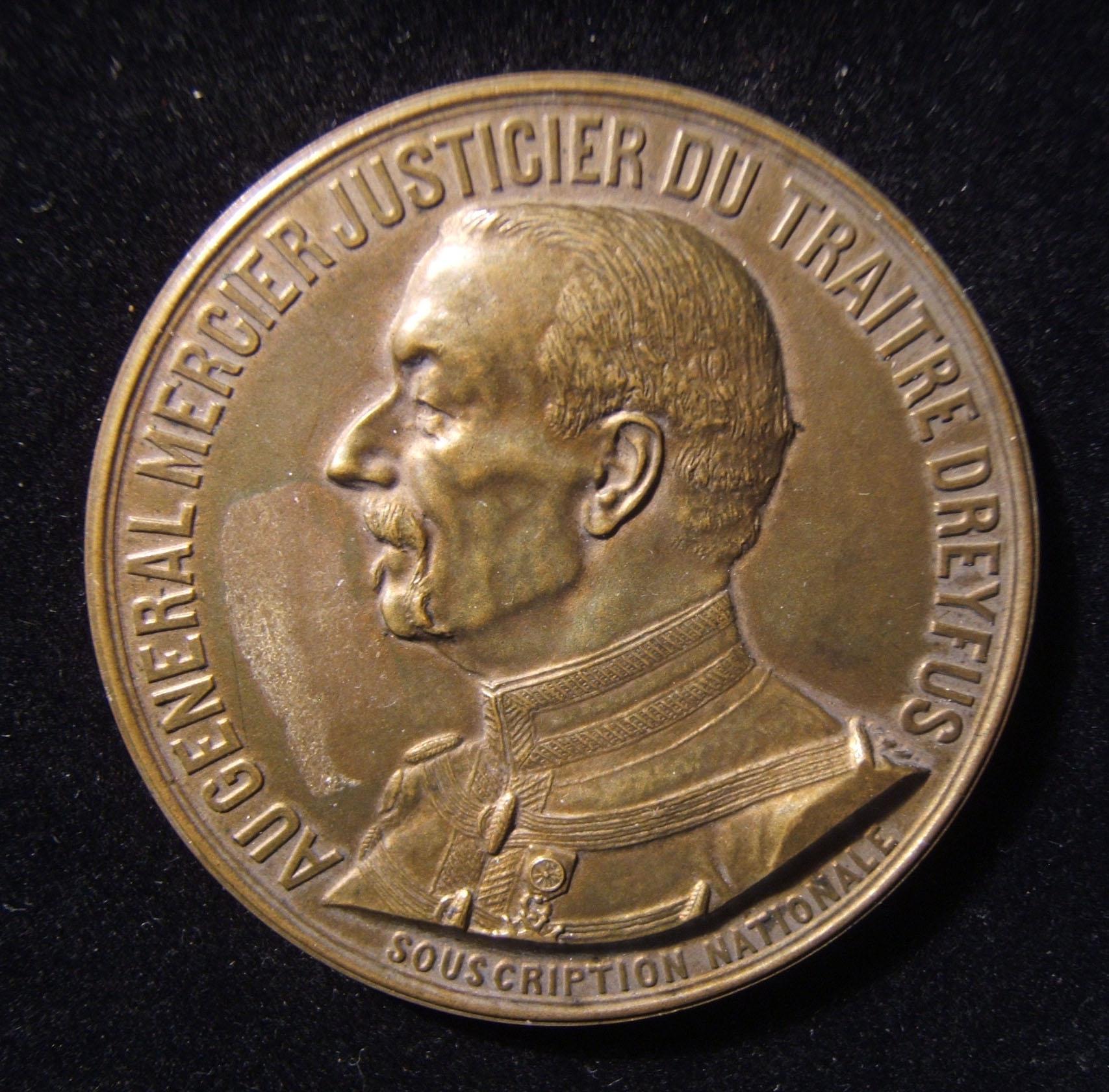 الفرنسي أوغست مرسييه قاضي من خائن دريفوس معاداة اليهود في الميدالية ، 1906