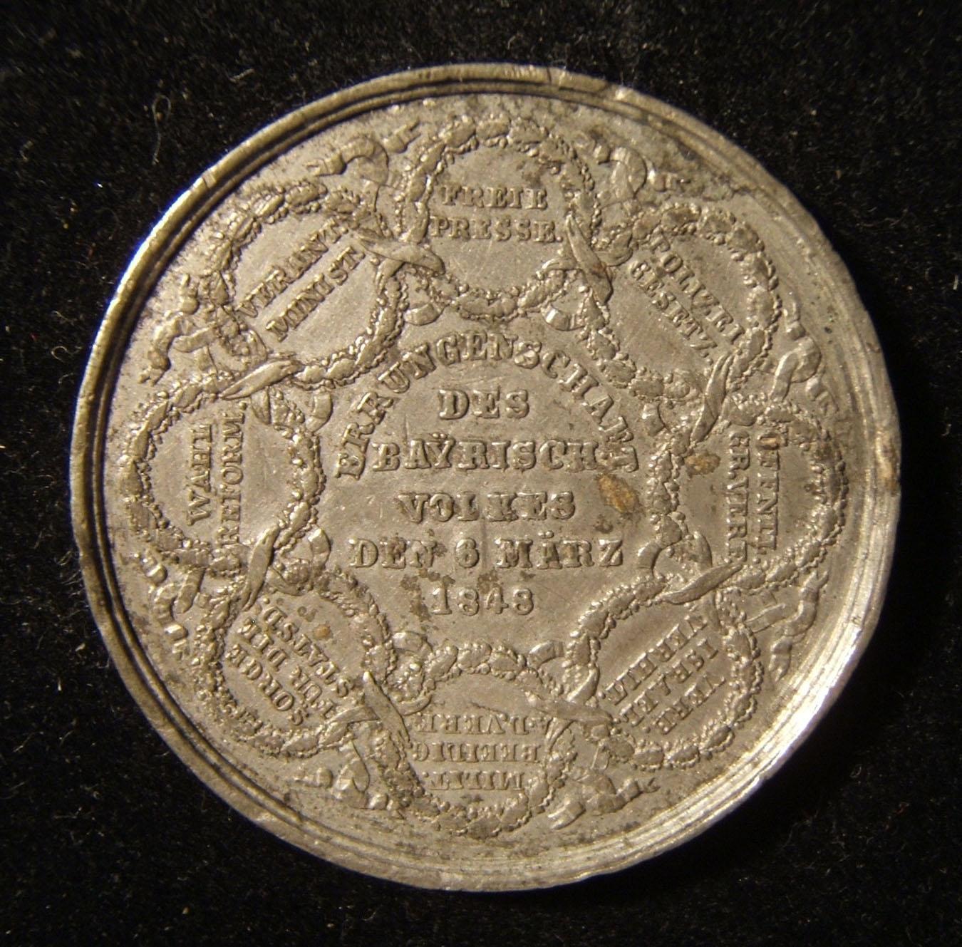 Deutschland: Gedenkmedaille der deutschen Revolution 1848; von Drentwett; geprägt aus Zinn; Größe: 37,5 mm; Gewicht: 16,65 g. Vorderseite, Beschriftung: