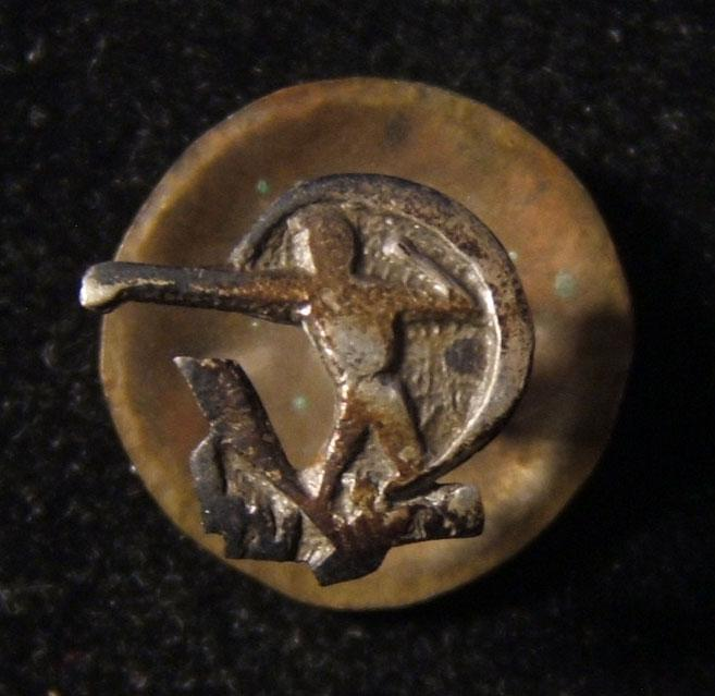 Palestine/Yishuv: emblem pin of the Hapoel sports association, circa. 1920's; by Zvi Szkarlat workshop Tel Aviv; size: 10.5 x 10mm + 14mm high; weight: 1.5g. The Hapoel sports asso