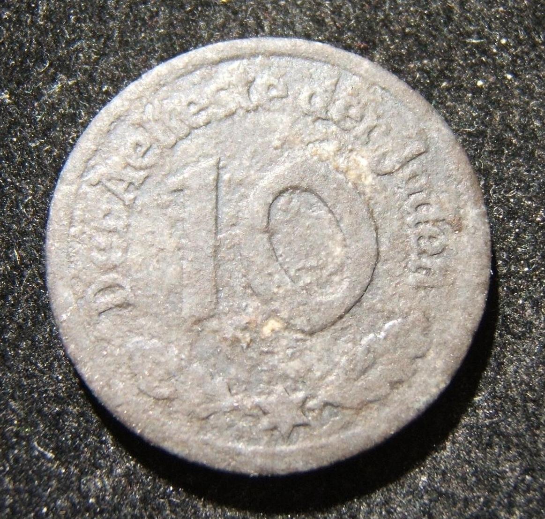 Poland: Litzmannstadt (Lodz Ghetto) 10 Pfennig 1942 Type-1 coin in magnesium; size: 22mm; weight: 0.95g. Obv.: in G-VG - displays heavy wear w/ oxidation in places, but no corrosio