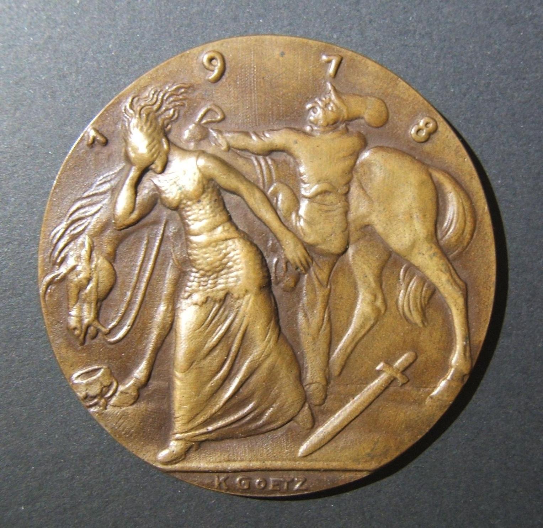 Deutschland: Zwanzig Jahre seit Bismarcks Tod, 1918, Medaille von Karl Goetz; Guss aus hochwertiger Bronze (keine Randmarken); Größe: 58 mm; Gewicht: 66,25 g. Vorderseite: Bismarck