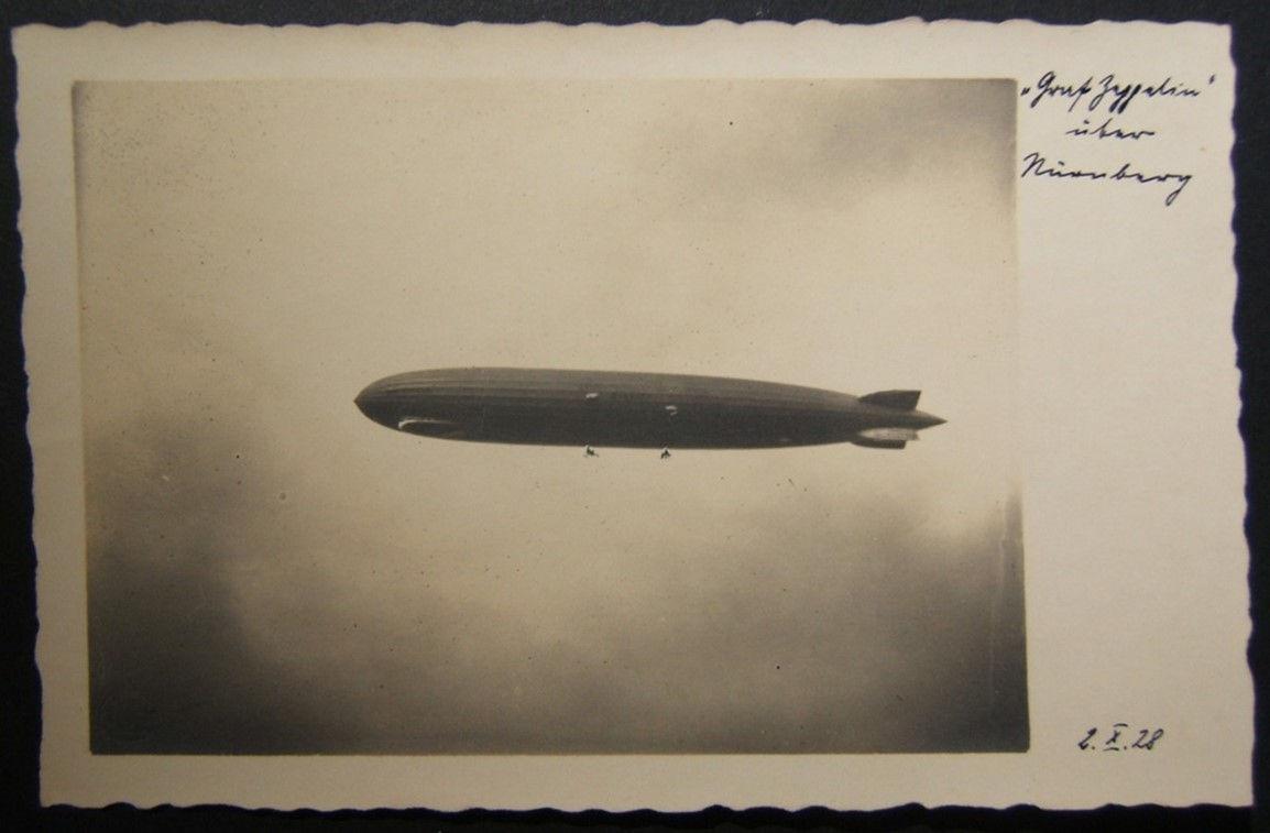 Deutsche Fotopostkarte von Graf Zeppelin 1. Flug über Nürnberg im Oktober 1928