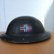 Norwegian Free Forces British mkII helmet, 1940-45 w/Nor. flag