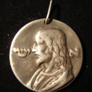 France(?): Jesus medal variant in white metal / silver alloy(?); not maker-marked; size: 37mm; weight: 28.8g; thickness: 2.75mm. Obv.: left facing Christ, with Hebrew initial