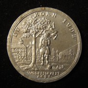 Germany: 'Corn Jew' Hanging/horizontal grain sifter medal, 1695, tin strike
