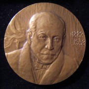 Russia/Soviet Union: Emmerich Kálmán centennary commem. bronze medal, 1983, by Mark G. Salman (Jewish; b. 1938); size: 60mm; weight: 107.2g. Obv.: front-facing Kalman w/dates of bi