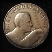 United States: Yehudi Menuhin 50th Birthday silver medal by Paul Vincze, 1966; size: 56mm; weight: 97.05g. Obverse: Menuhin playing violin; Latin legend