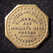 US: Mitzel & Welder Lunch-Room/beer parlor brass 10 cent octagonal token
