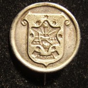 Ramat Gan round municipality stick pin, circa. 1940's; size: 19.75 x 23mm; weight: 1.95g.